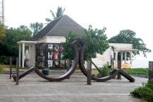 Collier d'esclave ouvert, par Alain Louis Padeau.